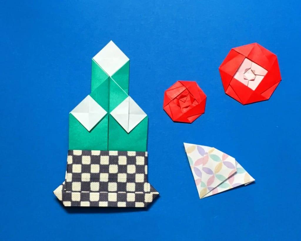 Oriya小町さんによる門松〜台座付きの折り紙