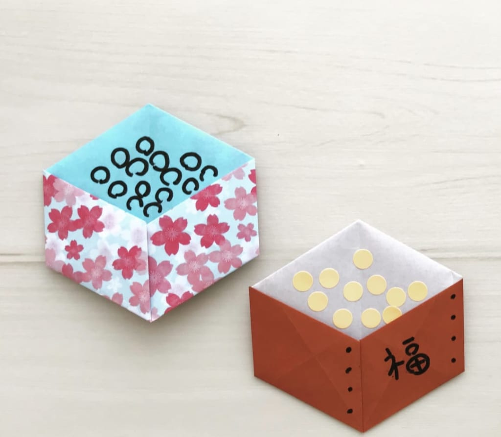 カミキィさんによる豆入れの箱(平面)の折り紙