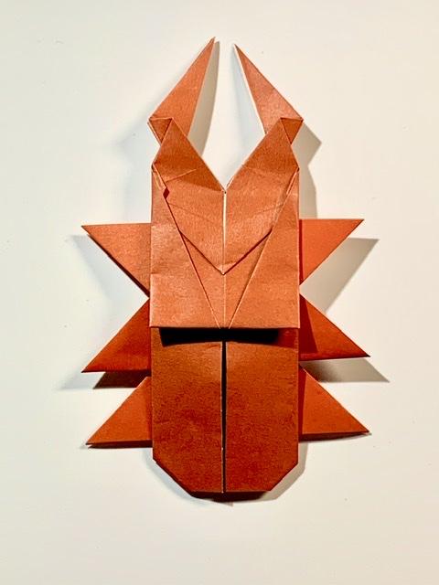 竹内ケイさんによるクワガタムシの折り紙