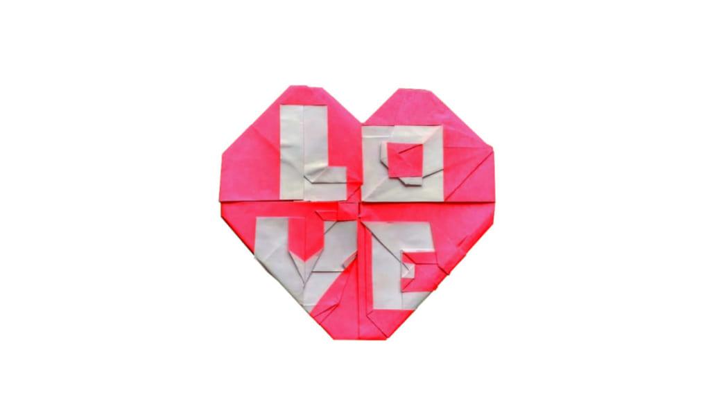 """ハディさんによる「LOVE」とハート/Origami Heart with """"LOVE""""の折り紙"""