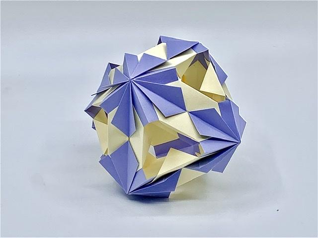 竹内ケイさんによるクエビコの折り紙