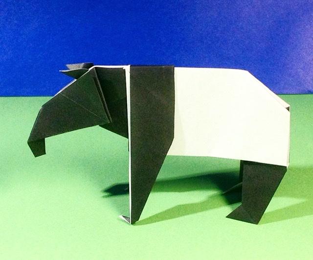 竹内ケイさんによるマレーバクの折り紙