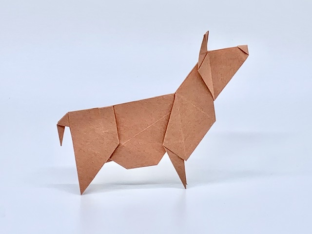 竹内ケイさんによるウシの折り紙