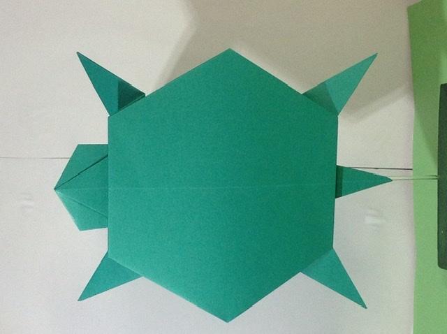 竹内ケイさんによるカメの折り紙