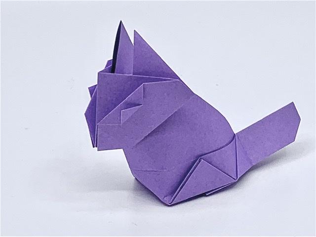 竹内ケイさんによるネコの折り紙
