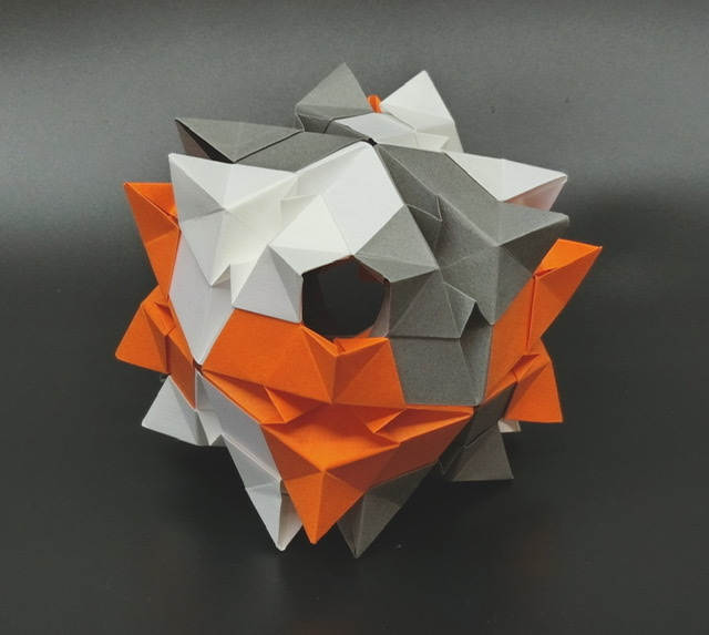 竹内ケイさんによるカグツチの折り紙
