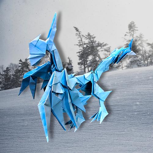 りょうすけ@組み立て折神工房Assembly Origami Workshopさんによる「コールド・ドレス」 26枚の折り紙