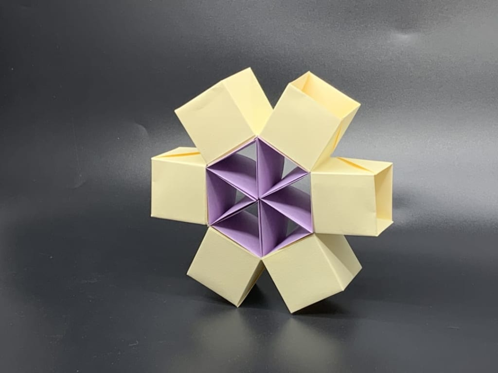 竹内ケイさんによる歯車のオブジェ2の折り紙