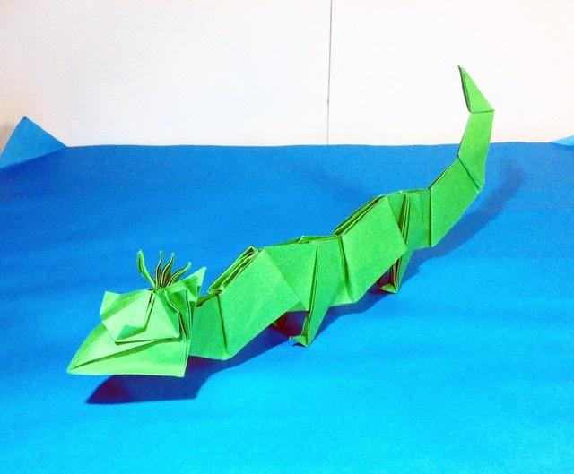 竹内ケイさんによる竜3の折り紙