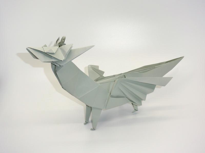 竹内ケイさんによるドラゴンの折り紙