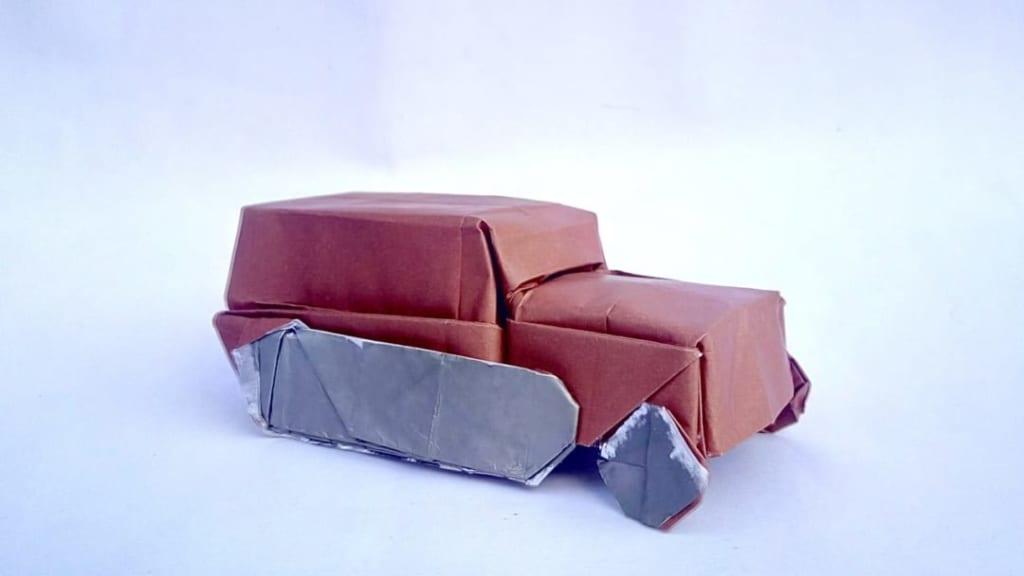 ハディさんによるハーフトラックの折り紙