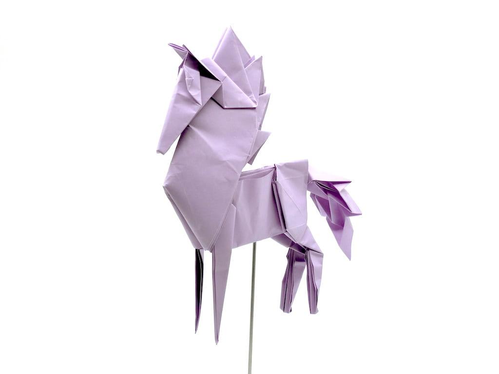 竹内ケイさんによるウマ3の折り紙