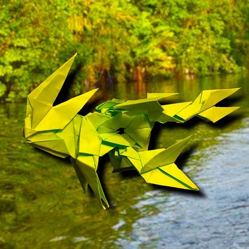 りょうすけ@組み立て折神工房Assembly Origami Workshopさんによる「森海魚」 16枚の折り紙