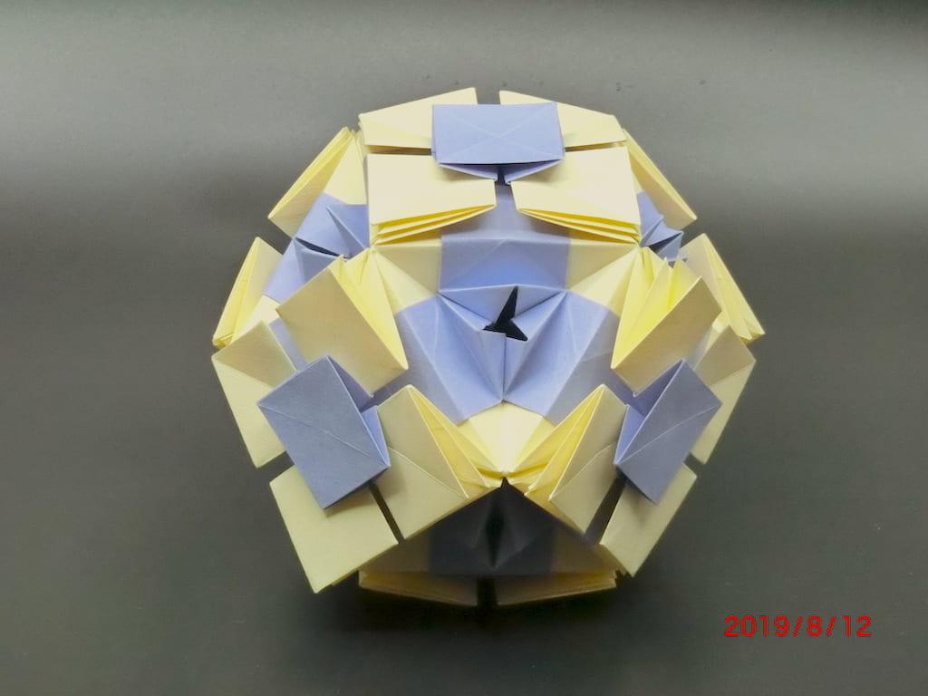 竹内ケイさんによるカナヤコの折り紙