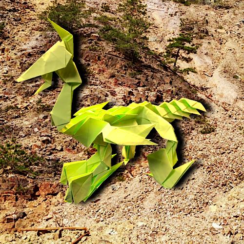 りょうすけ@組み立て折神工房Assembly Origami Workshopさんによる「アダマント・アーム」 29枚の折り紙