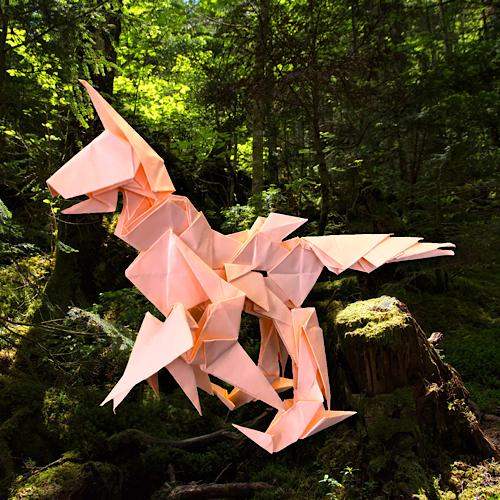 りょうすけ@組み立て折神工房Assembly Origami Workshopさんによる「アンブッシュ・リーパー」 20枚の折り紙