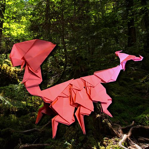 りょうすけ@組み立て折神工房Assembly Origami Workshopさんによる「鋏耳龍イヤーウィッグ」 15枚の折り紙