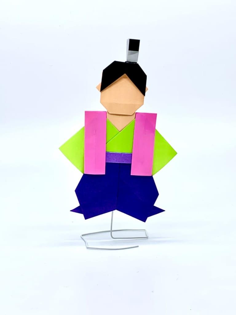 竹内ケイさんによる桃太郎の折り紙