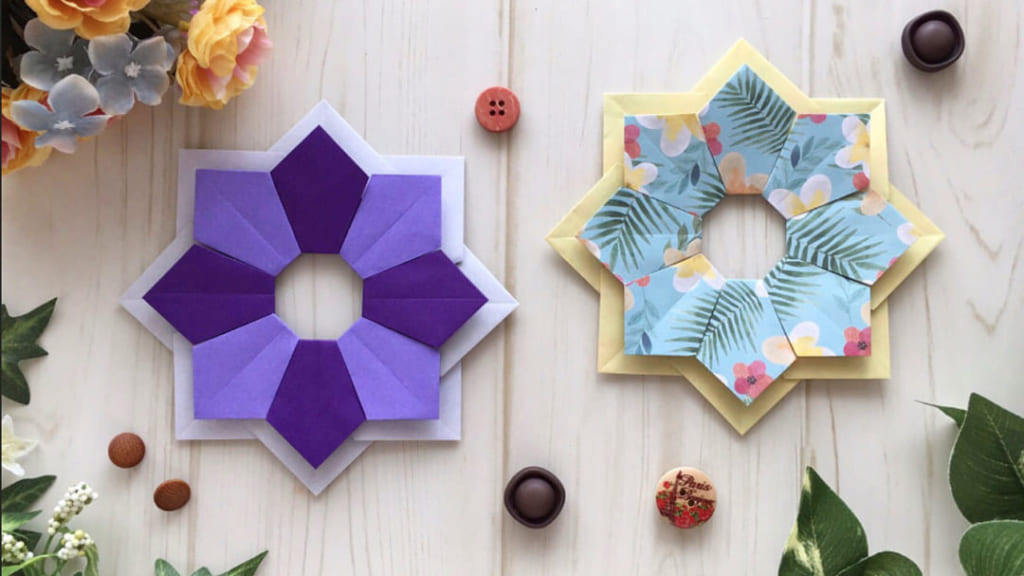 Oriya小町さんによるパッチワーク風リースの折り紙