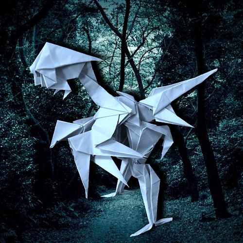 りょうすけ@組み立て折神工房Assembly Origami Workshopさんによる「蒼白龍ペイルアイロ」 10枚の折り紙