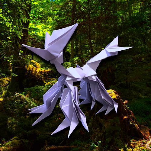 りょうすけ@組み立て折神工房Assembly Origami Workshopさんによる「エンブリュウ」 8枚の折り紙