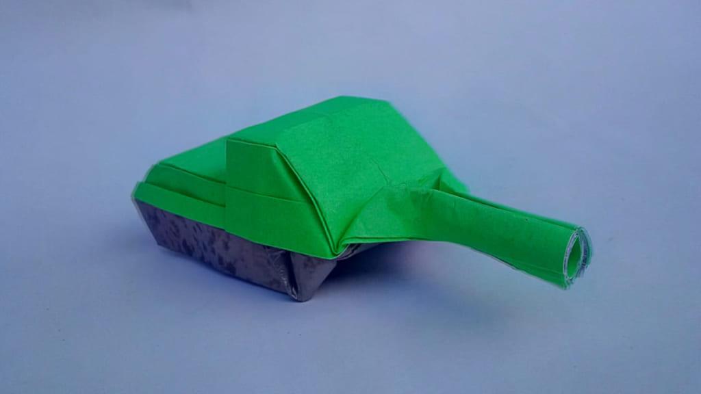 ハディさんによるSU-85 (自走砲)の折り紙