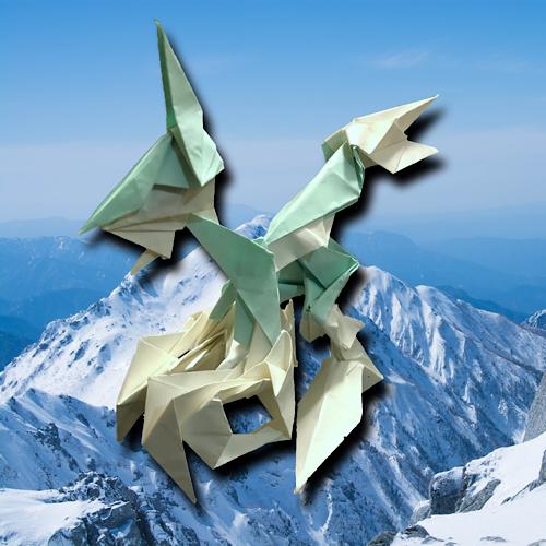 りょうすけ@組み立て折神工房Assembly Origami Workshopさんによる「グラシアル」 18枚の折り紙
