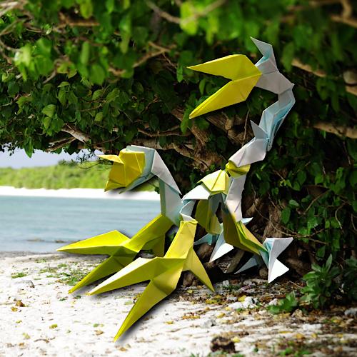 りょうすけ@組み立て折神工房Assembly Origami Workshopさんによる「サウダージ」 19枚の折り紙