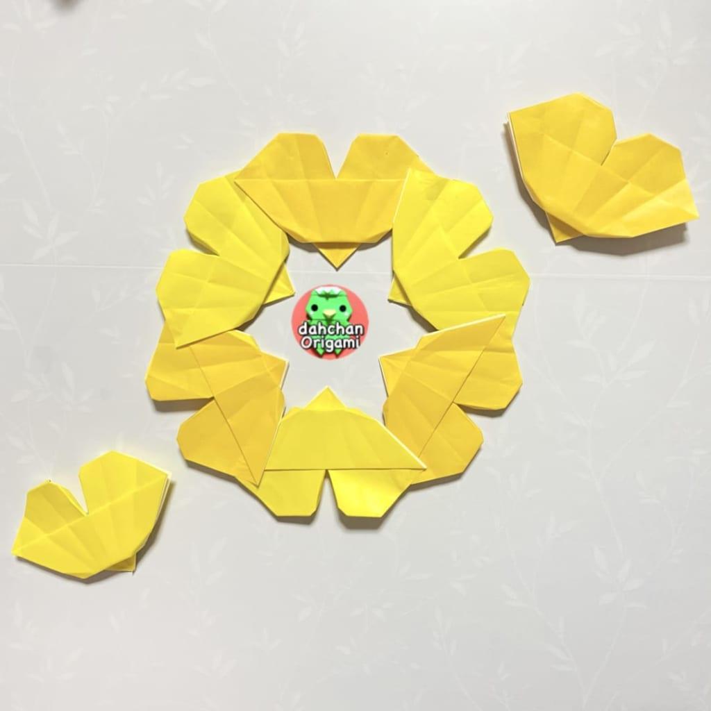 だ〜ちゃんさんによるイチョウのリースの折り紙