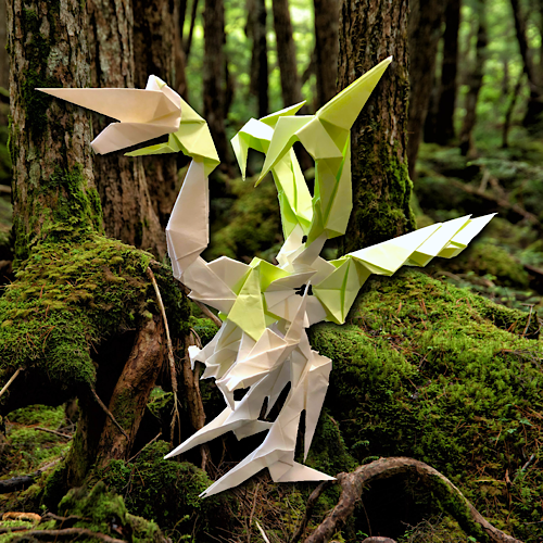 りょうすけ@組み立て折神工房Assembly Origami Workshopさんによる「緑地龍モルドモース」 21枚の折り紙