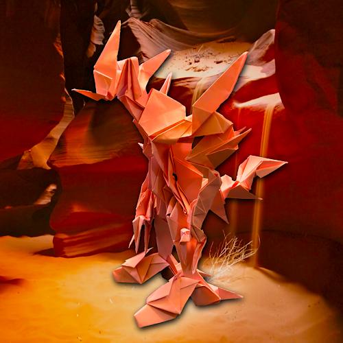 りょうすけ@組み立て折神工房Assembly Origami Workshopさんによる「ネードラ」 23枚の折り紙