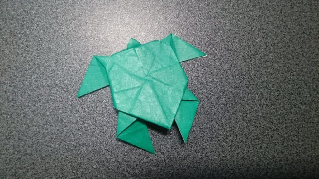 鶴連坊さんによる海亀の折り紙