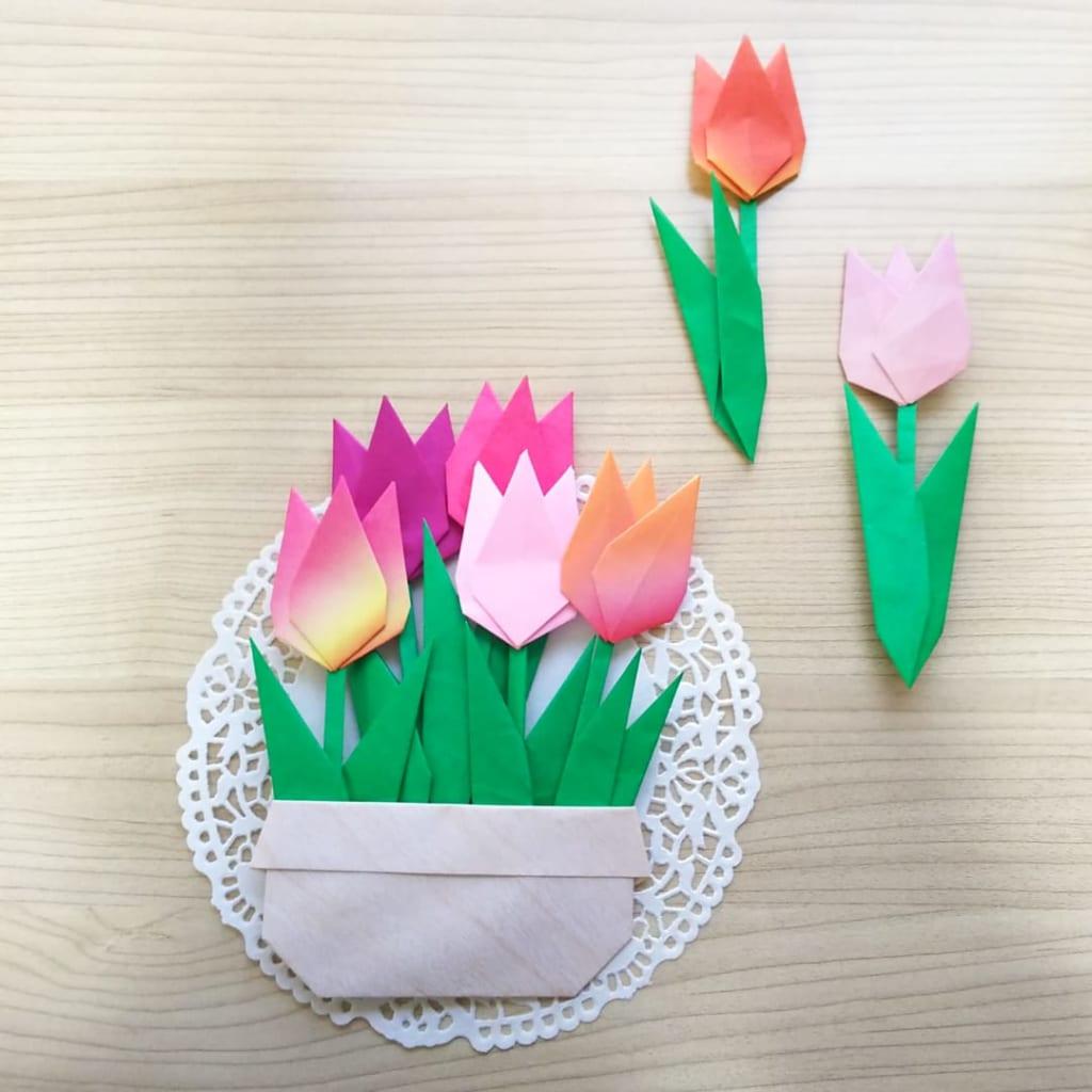 hiroko_daichanさんによるチューリップと葉っぱの折り紙