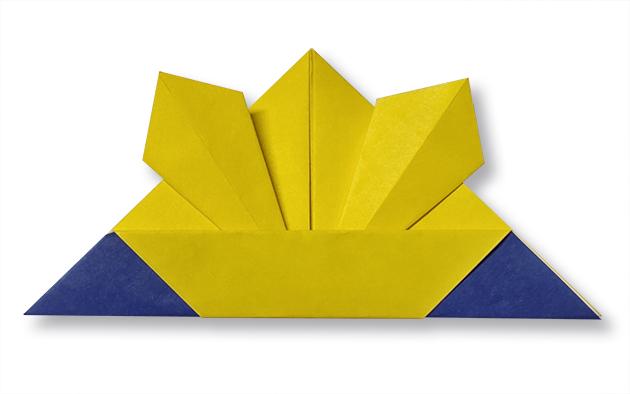 おりがみくらぶ(新宮文明)さんによるかぶと4の折り紙