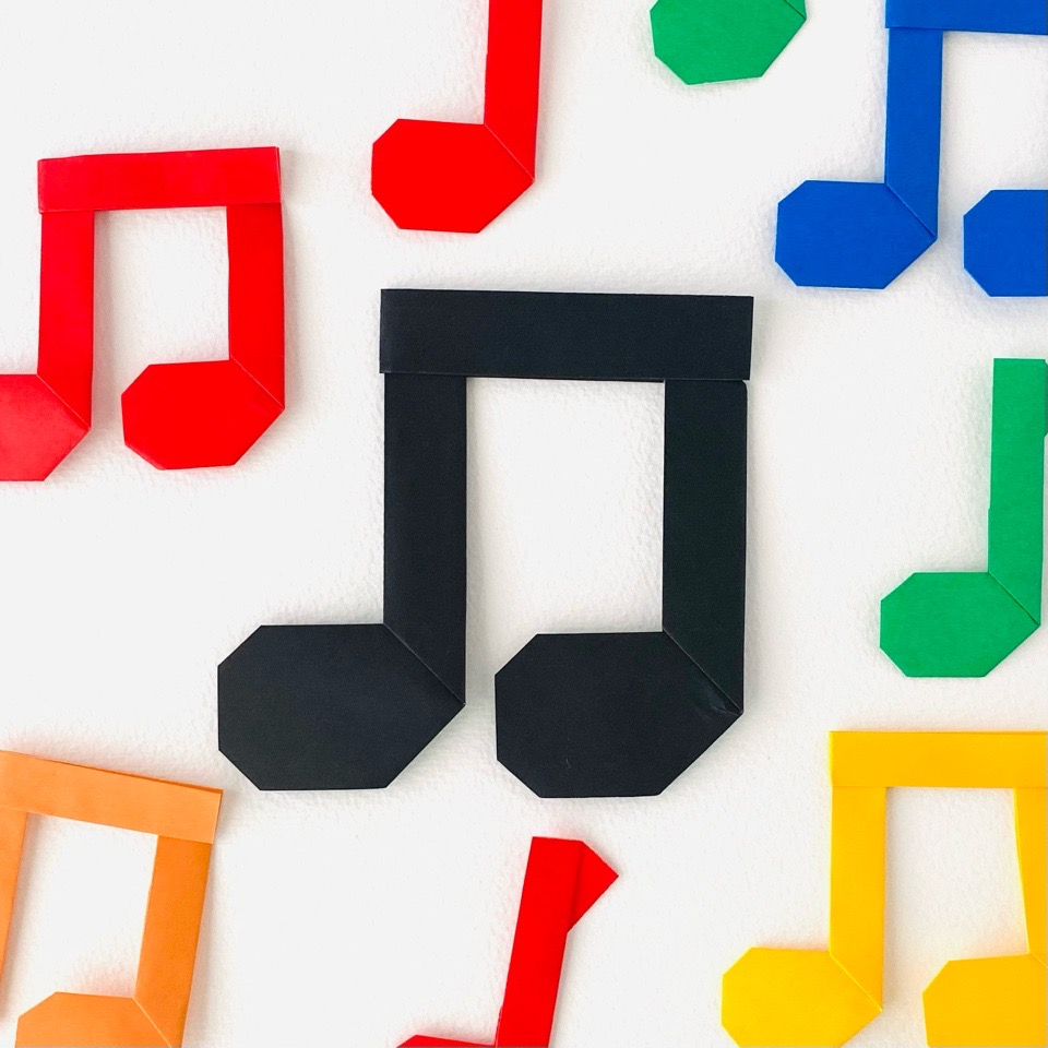 カミキィさんによる音符の折り紙