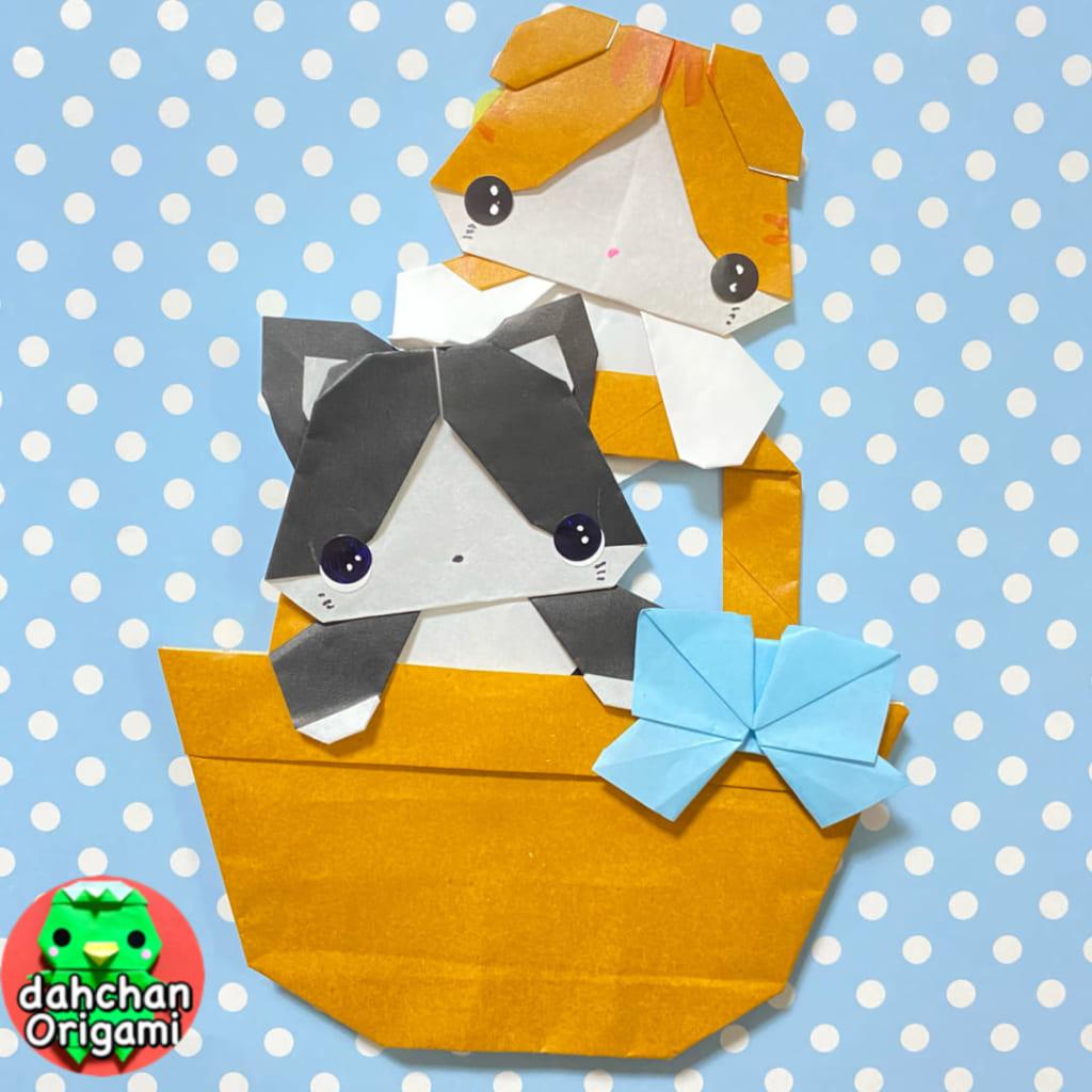 だ〜ちゃんさんによるひょっこりねこ(ハチワレとスコティッシュフォールド)の折り紙