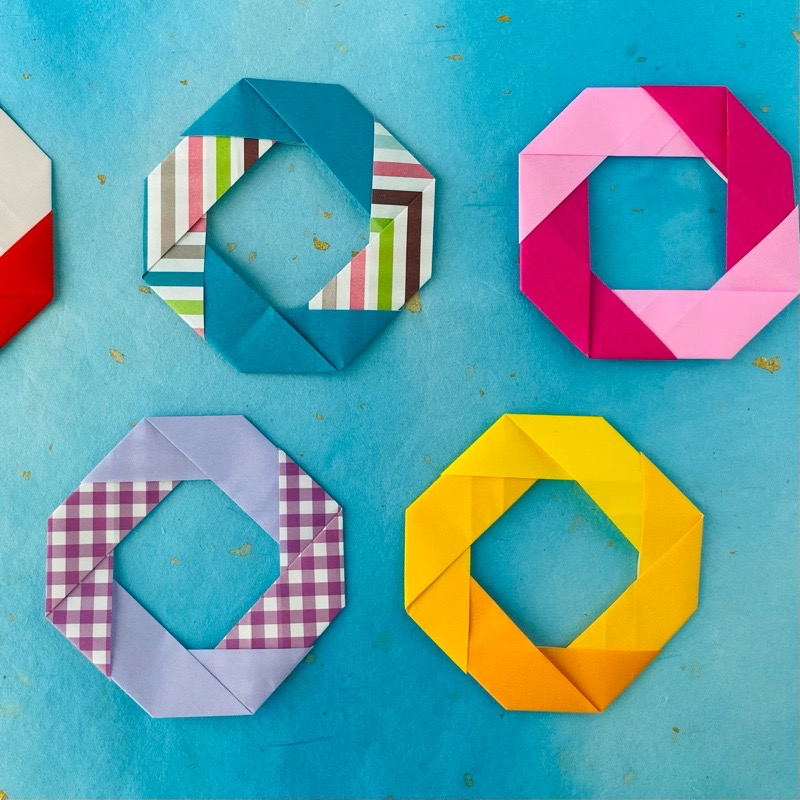 カミキィさんによるうきわリースの折り紙