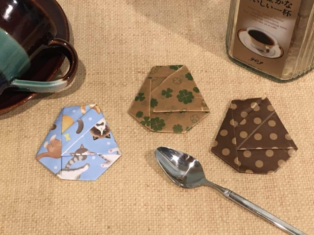 Oriya小町さんによるコーヒー粉入れの折り紙