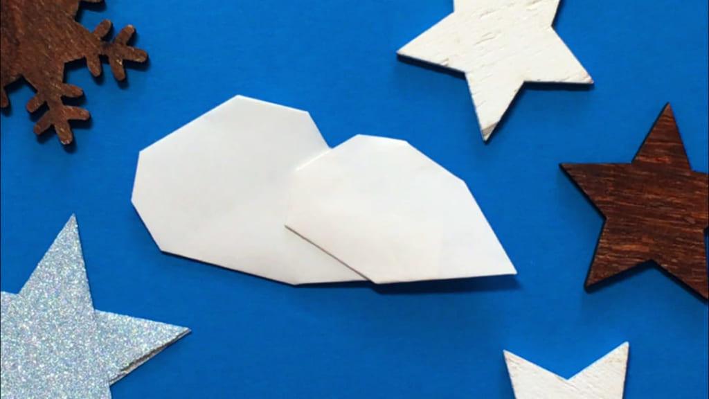Oriya小町さんによる雲の折り紙